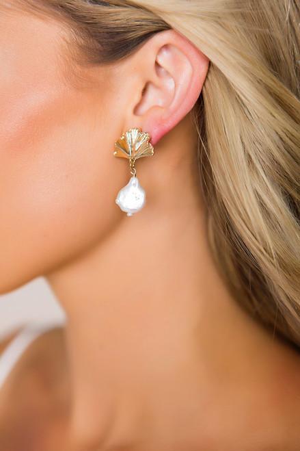 Pearl/Gold Fan Earrings
