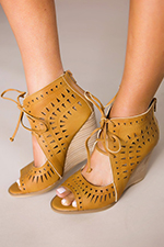 camel-open-front-wedges2.jpg