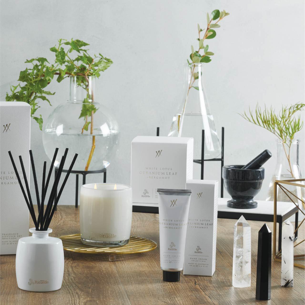 Alchemy - White Lotus, Geranium Leaf & Bergamot - Scented Soy Candle - Urban Rituelle