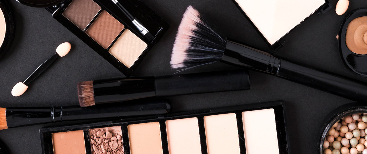 Guest Post: The Best Tips on How to Achieve Glowy Skin Through Makeup