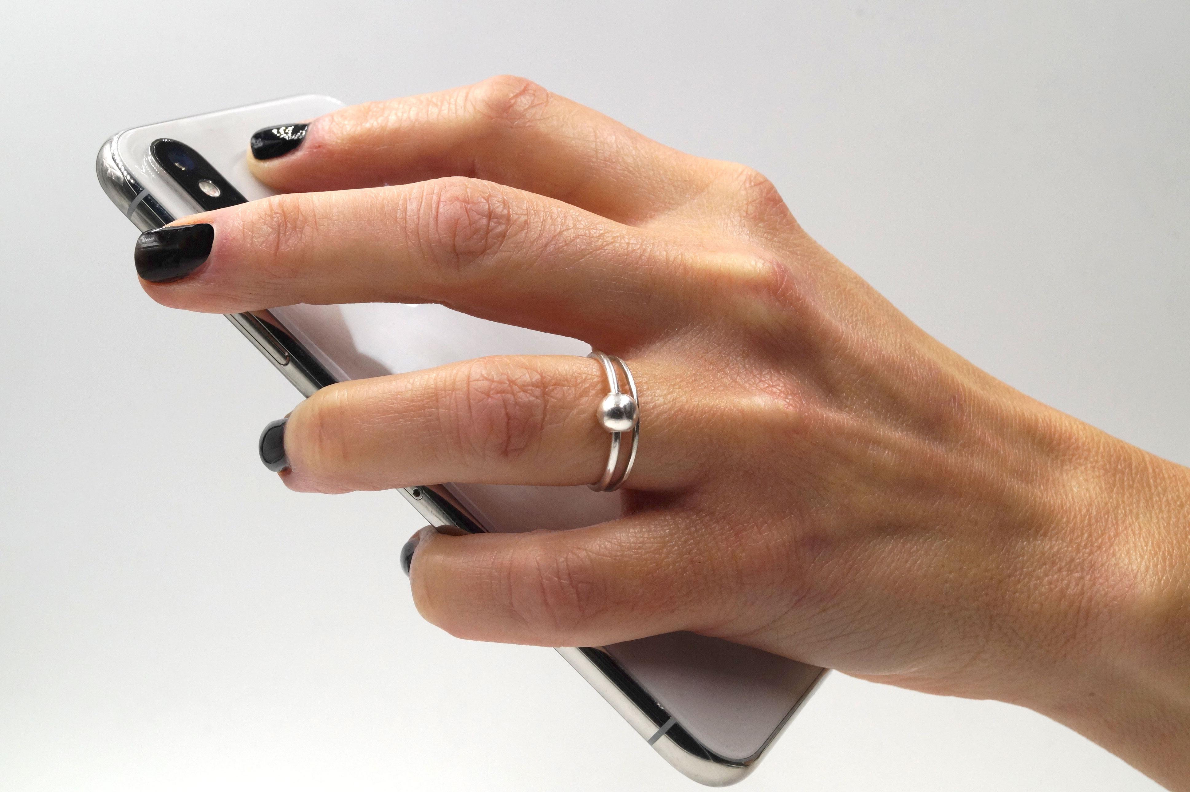 ball-hand-phone.jpg