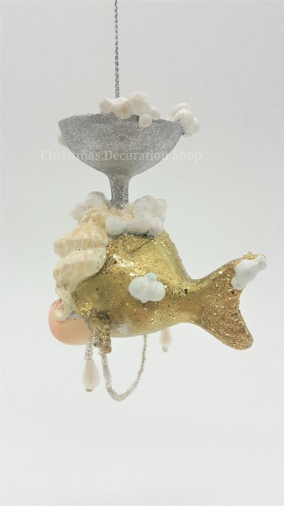 Goodwill Gatsby Champagne Kissing Fish