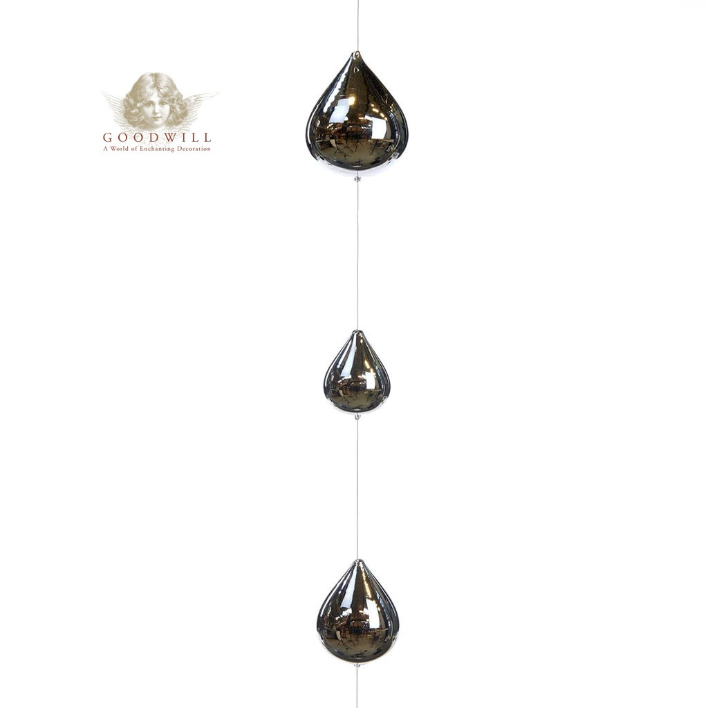 GLSS 9 DROPS ON WIRE GARLAND SLV 130CM