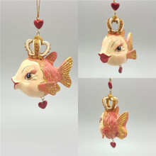 Queen Of Hearts Kissing Fish Chistmas Tree Decoration Display.