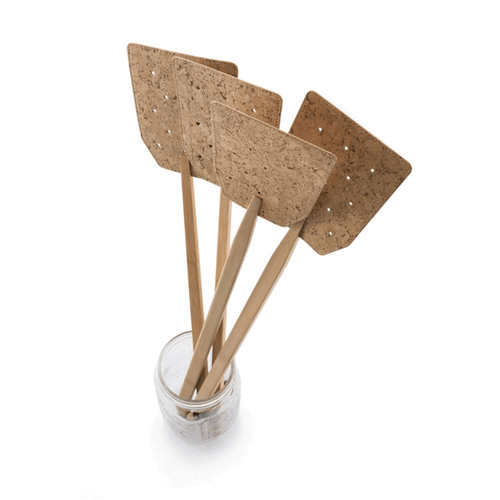 Not your common fly swatter, our eco-friendly fly swatter is made of certified organic bamboo and cork fabric. The handle is hand-burnished and finished, while the cork fabric is perforated for stealth swatting.