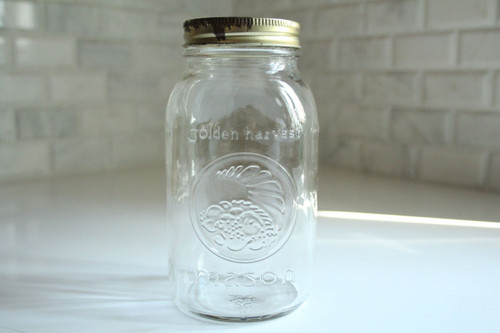 One Regular mouth (70mm) Jar Includes band and lid Ideal for purchase with our refillable products, such as shampoos, soaps, cleaners and more. Purchase a Mason Jar accessory, such as pump or pour spout to replace your plastic containers in your home.