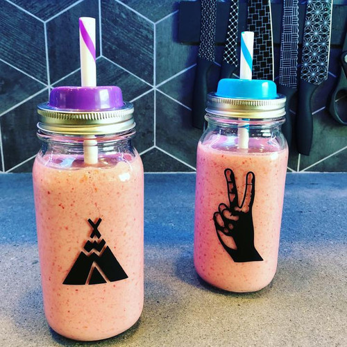This Set Includes: One Blackout Black Straw Hole Lid One Extra Wide (0.5inch) Holographic Stainless Steel Smoothie Straw