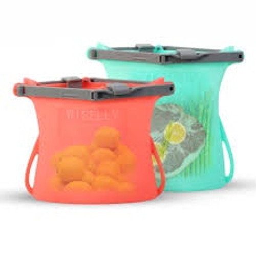 100% airtight & leak-proof seal reusable silicone bag. Storage friendly and portable, perfect for travellers.