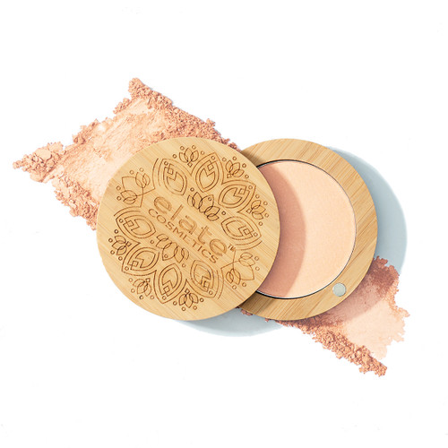 High wattage glow, with a soft dewy finish. Elate's pressed powder Illuminator is the perfect compliment to your beauty bag. A daily tool for a bit of shine, or a special treat for a night out, create your new glow-to beauty ritual. Clean beauty, ethical beauty, makeup