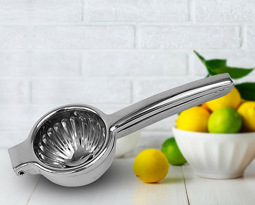 Our premium citrus press is made with ultra-strong high quality 18/8 STAINLESS steel, with the perfect metal composition for no corrosion or rusting and unbreakable tank status. You also will have NO SEEDS in your juice.
