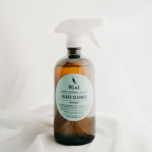 All natural window cleaner that won't leave streaks. Use on glass, stainless steel, faucets and mirrors to give a polished shine. Can also be used as an after shower spray preventing mildew and soap scum forming on glass showers. Infused with mint essential oil.