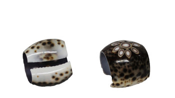 Tiger Cowrie Napkin Ring - Flower