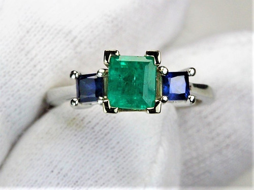 Antique Emerald and Sapphire Platinum Ring