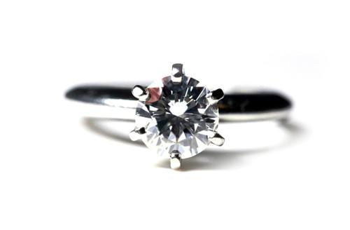Platinum Classic Engagement Ring GIA SI1 F 1 Carat Good Cut