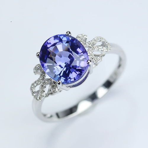 Oval Cut Classic Tanzanite Diamond Ring AAAA Quality