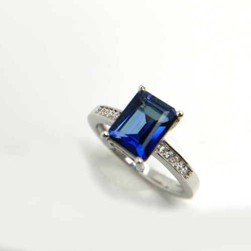 Unique Emerald Cut Tanzanite Diamond Ring AAAA