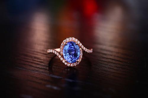 Oval Tanzanite Diamond Ring AAAA Top Quality
