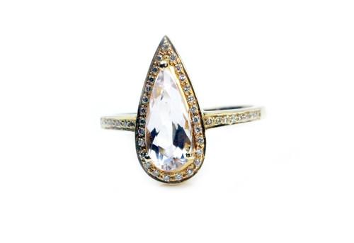 Unique 18K Yellow Gold MORGANITE DIAMOND RING