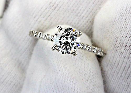 Elegant Engagement Ring -  GIA 1ct H VS1 VG EX EX None
