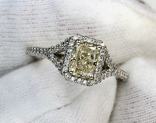 Ritani Frech-Set Halo Diamond Engagement Ring - GIA Radiant Cut
