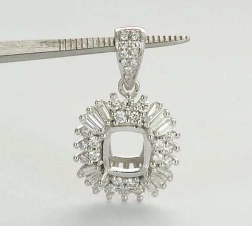 Cushion Cut 18k Gold Natural Diamond Pendant
