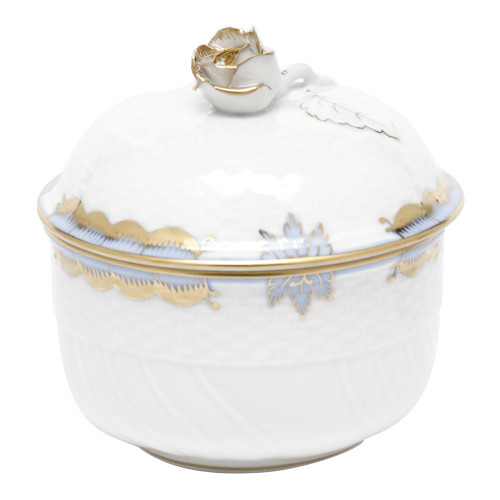 Herend Princess Victoria | Beautiful china dinnerware to adorn your tablescapes and add to your Sasha Nicholas wedding & gift registry