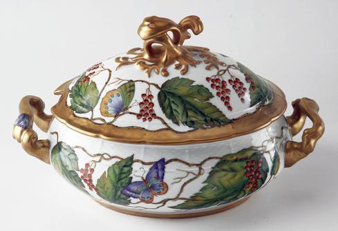 Wildberry Red Soup Tureen
