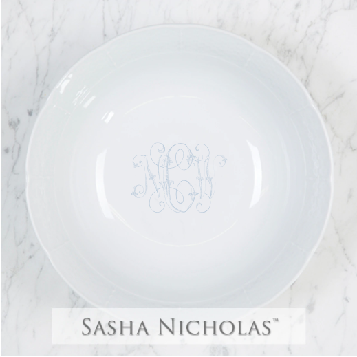 A beautiful addition to your dinnerware collection and to adorn your tablescapes with. It makes the perfect gift for your wedding registry. Choose from their signature font styles or use a custom monogram or crest of your choice! | Sasha Nicholas's white porcelain medium serving bowl