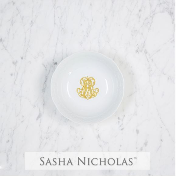 A perfect addition to your dinnerware collection and to set your tablescapes with.  It makes a great small gift for your wedding registry. The navy couture is such a classic. | Sasha Nicholas's white porcelain petite bowl