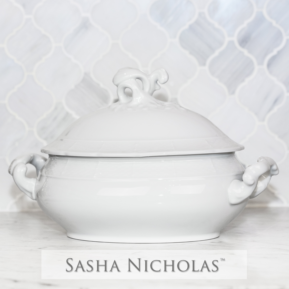 A beautiful addition to your dinnerware collection and to adorn your tablescapes with. It makes the perfect gift for your wedding registry and has the option to include an inscription on back. | Sasha Nicholas's Simply White Dinnerware