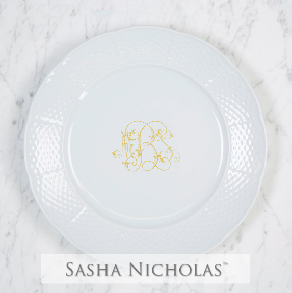 SN-Pantry Weave Dinner Plate | Three Letter Script, MBS, Gold