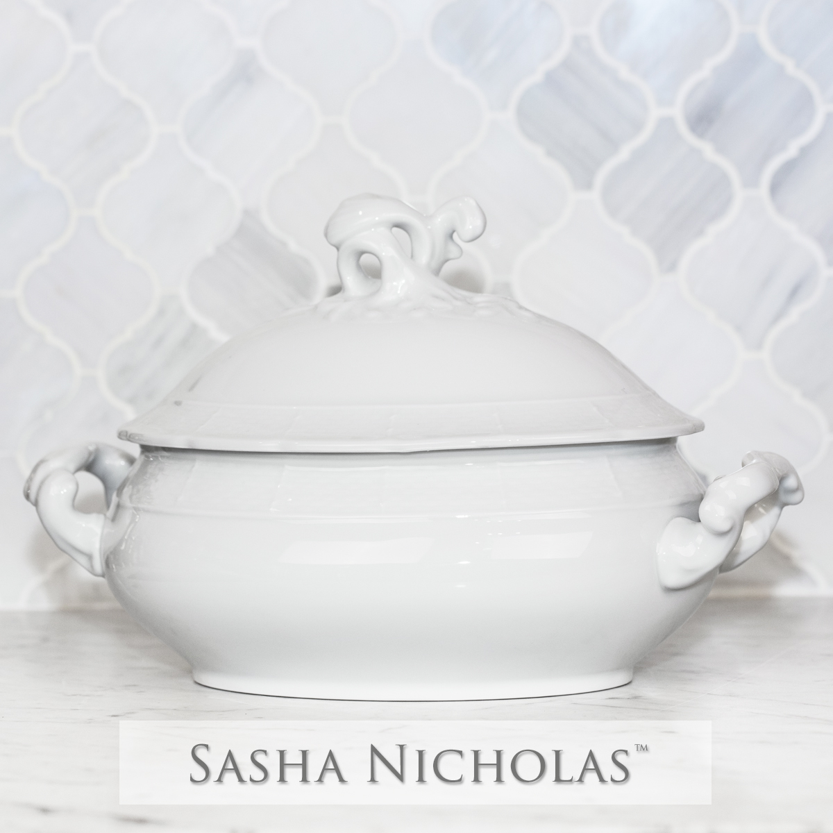 Yeung-Shivers WEAVE SIMPLY WHITE COVERED TUREEN