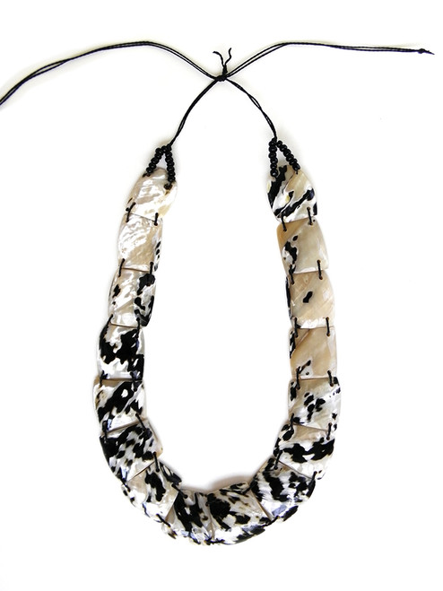 PICA SHELL NECKLACE