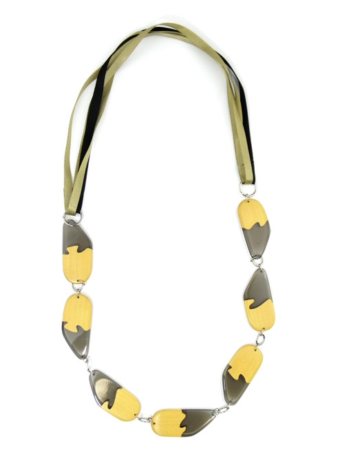WOOD SMOKY RESIN PLUNGE NECKLACE