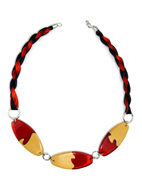 WOOD RED RESIN NECKLACE