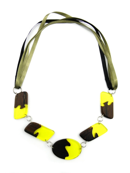 WOOD TRANSLUCENT YELLOW RESIN NECKLACE