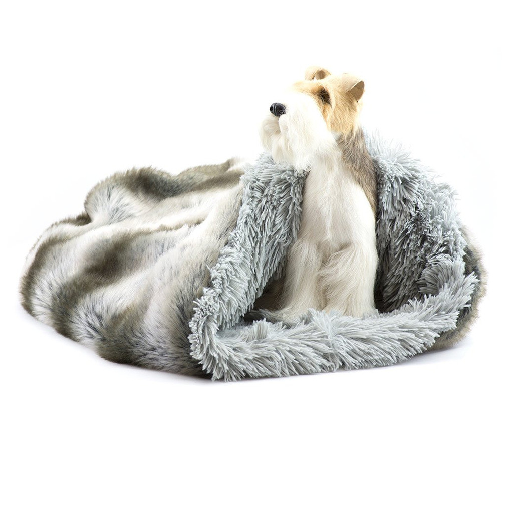 Silver Chinchilla Cuddle Sak with Silver Shag Lining