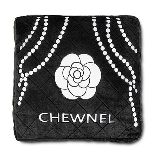 Chewnel Noir Bed