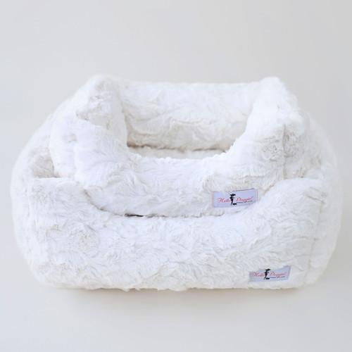Bella Dog Bed: Vintage