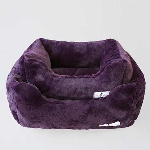Bella Dog Bed: Royal