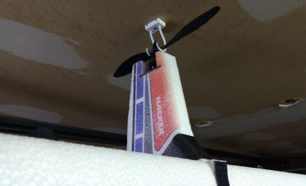 TWISTED HOOKER MOUNTING KIT (Holds 1 model each)