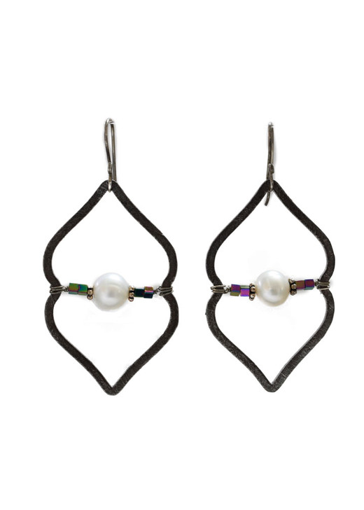 Sahara Earrings- Gunmetal / Pearl