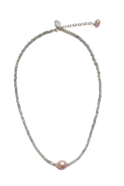 Jada Pink Pearl Necklace in Labradorite