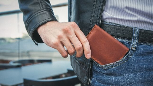 Wallet Size: How To Choose What's Right for You