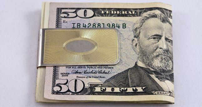 Money Clips vs. Wallet: Factors to Consider