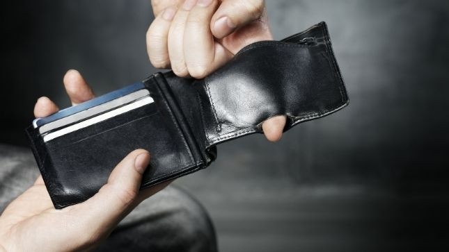 Top Signs You Need a New Wallet