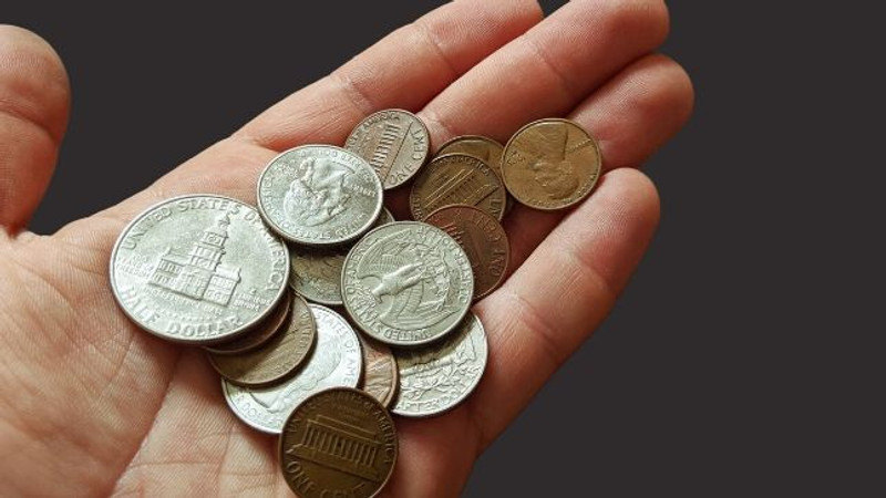 Where to Keep Coins When You Have a Minimalist Wallet