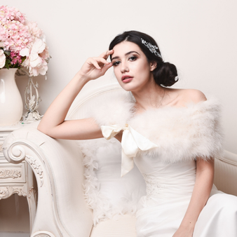 Ivory vintage inspired genuine marabou feather bridal stole.