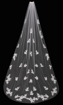 English tulle veil with lace appliqu̩s and cut edge.