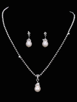Rhodium plated rhinestone necklace with pearl bead pendant and matching earrings NL1651